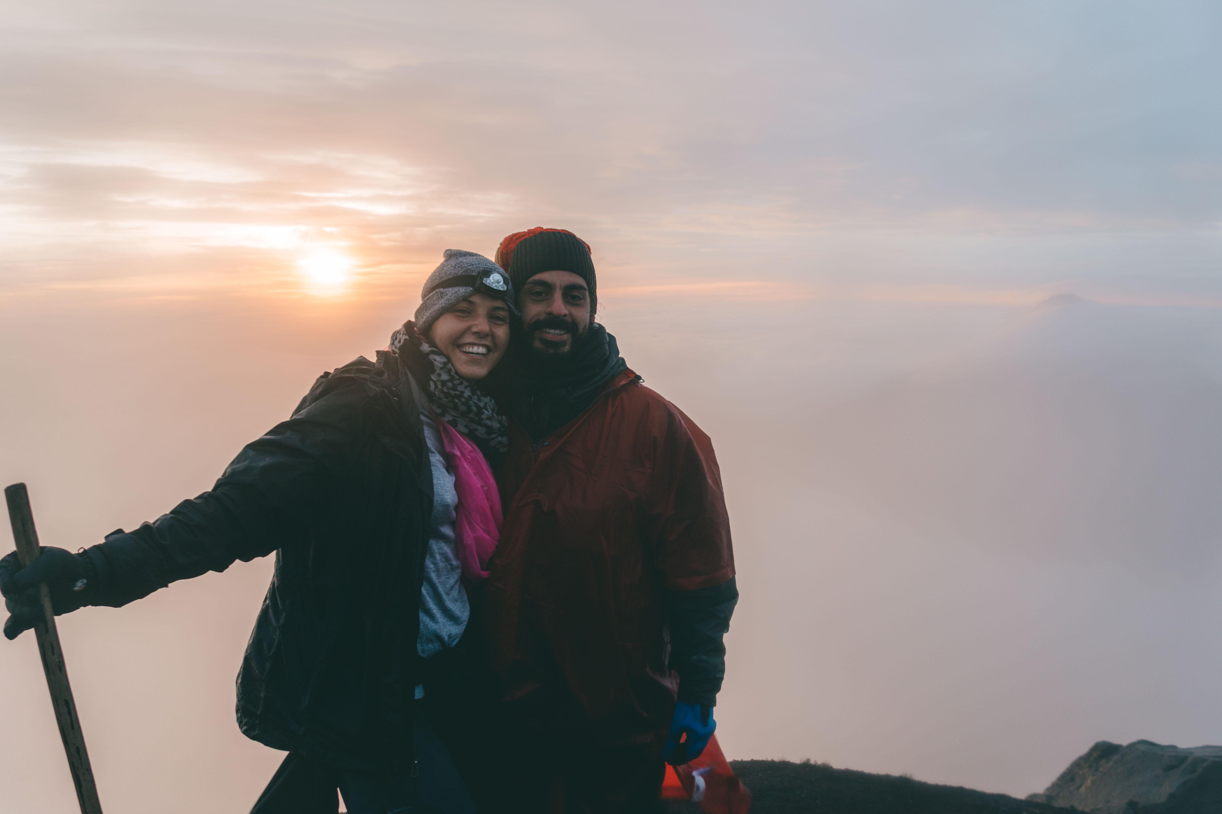 Distrutti ma felici! L'alba dalla cima del vulcano Acatenango